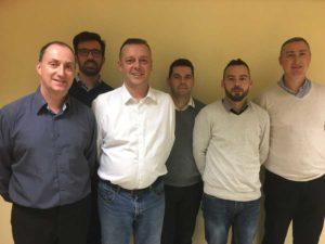 De gauche à droite : Stéphane CORBRON (Chef des ventes), Pierrick LEFORT (Dirigeant), Renaud BASILLE, Eric BASTÉ, Tony LENFANT, Bruno BRETON