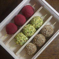 A Tokyo, Frédéric Madelaine revisite le chocolat… en brochettes