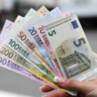 Offre du crédit et Financement entre particuliers.
